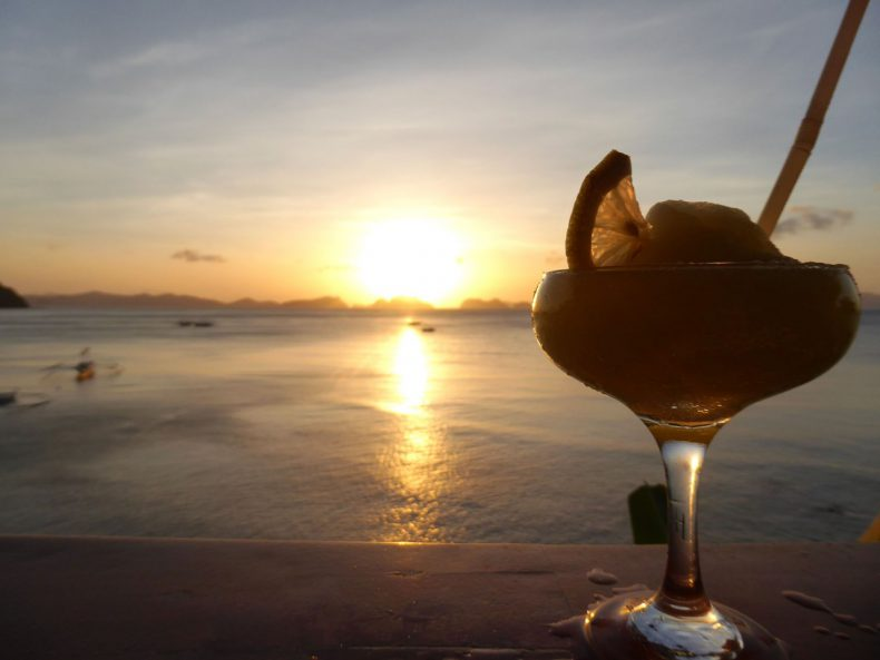 sunset-cocktail-el-nido