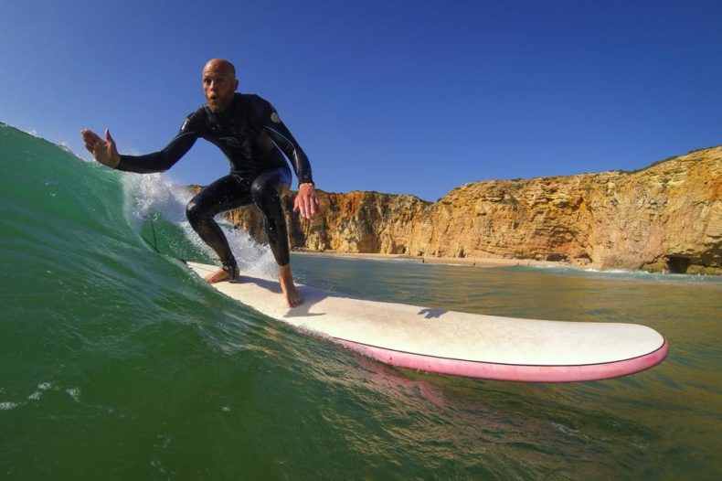 Surfana Surftrips Portugal longboard high 5