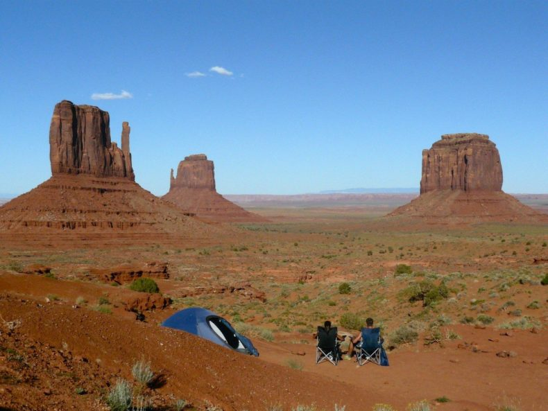 Wildkamperen-monument-valley-arizona
