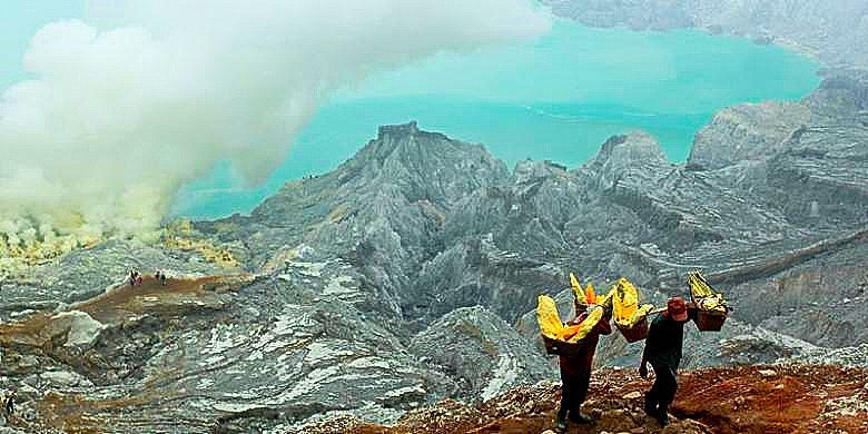 Indonesia-Java-Ijen-lake