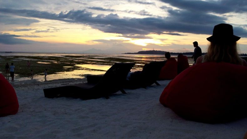 Indonesie-Gili-Air-Sunset-lounge