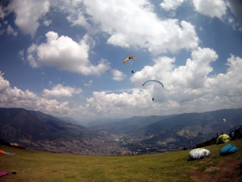 Colombia-Medelling-Paragliders