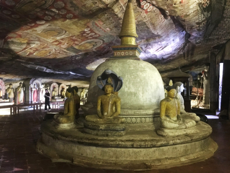 dumbulla-rock-caves-sri-lanka