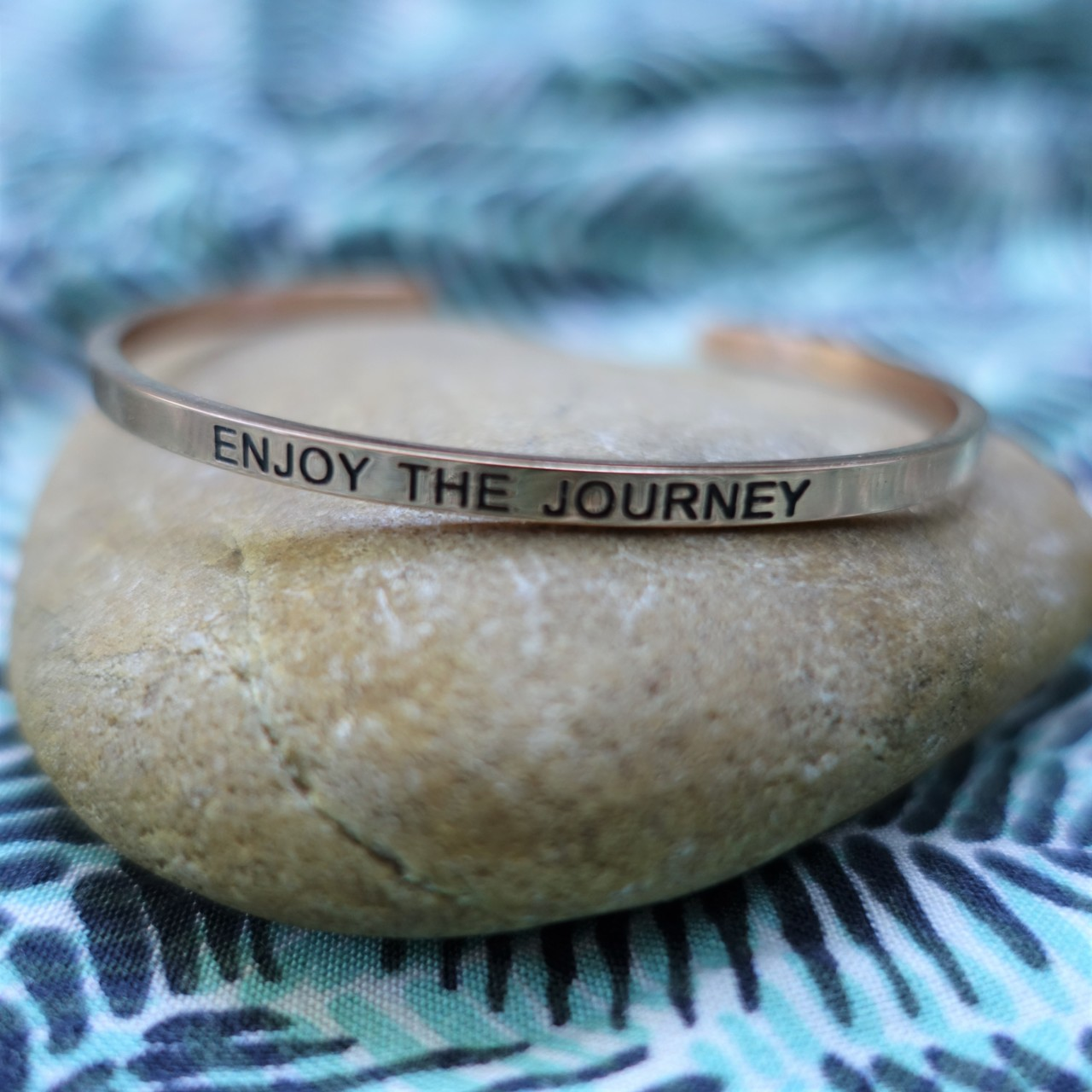 Armband met travel quote