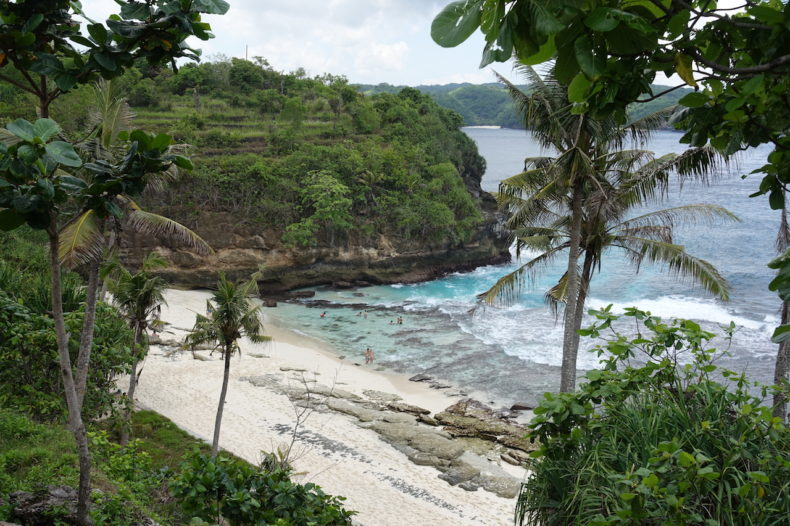 secret-beach-nusa-ceningan