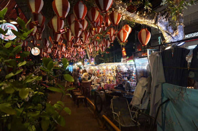 Thailand-Chiang-Mai-night-market-old-town 13.34.50