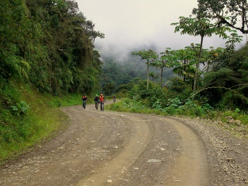 death-road-bolivia-mountainbike